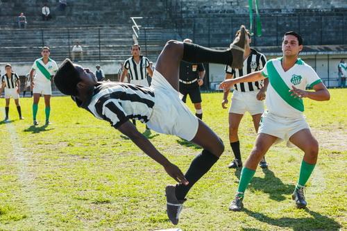 《球王比利》 Pelé