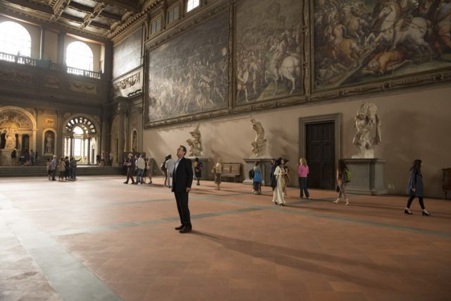 Robert Langdon (Tom Hanks) in the Hall of 500, Palazzo Vecchio, Florence in Columbia Pictures' INFERNO.