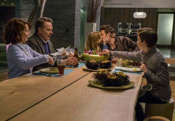 《非常外父揀女婿》, WHY HIM?, 占士法蘭高 (James Franco), 拜仁鈞士頓 (Bryan Cranston), 素兒德芝 (Zoey Deutch)